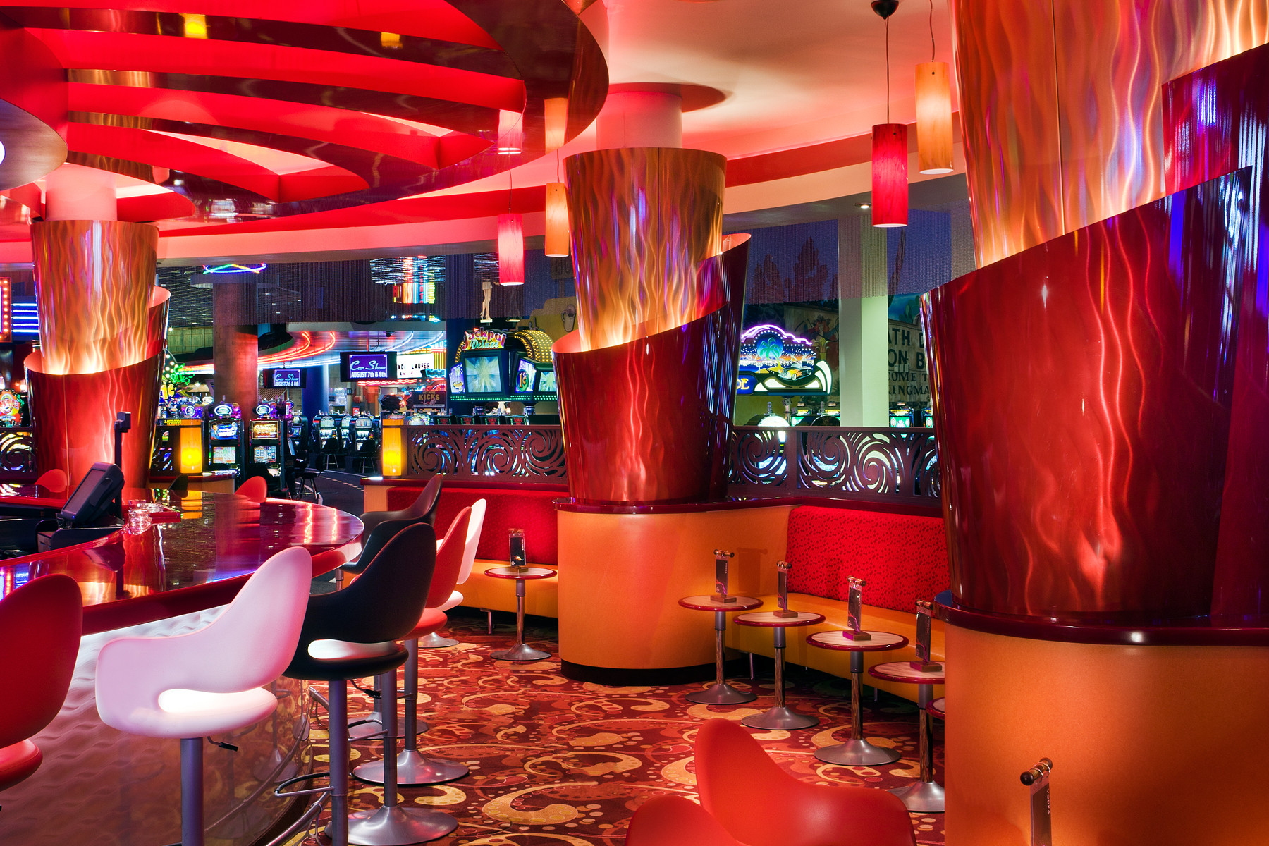 360 degree bar new bar design and decor implementation for Latest lounge designs